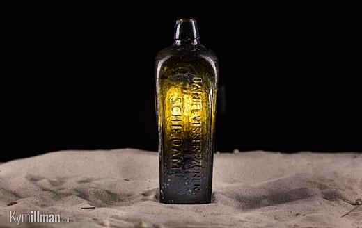 В Австралии обнаружили 131-летнюю бутылку с посланием внутри
