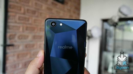 Утечка: фотографии Oppo Realme 1