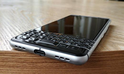 В базе данных Geekbench заметили смартфон BlackBerry BBG100-1