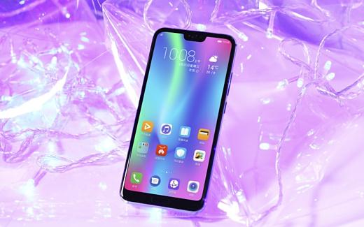 Huawei начала продажи Honor 10 за пределами Китая