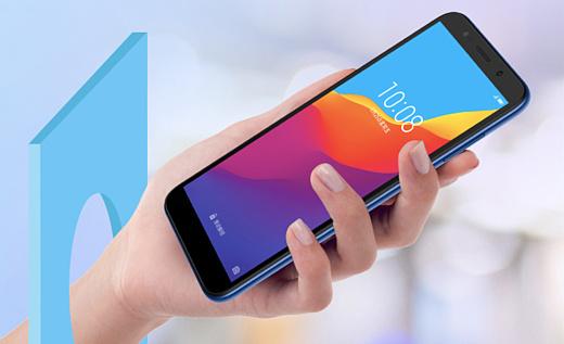 Huawei анонсировала бюджетный смартфон Honor Play 7