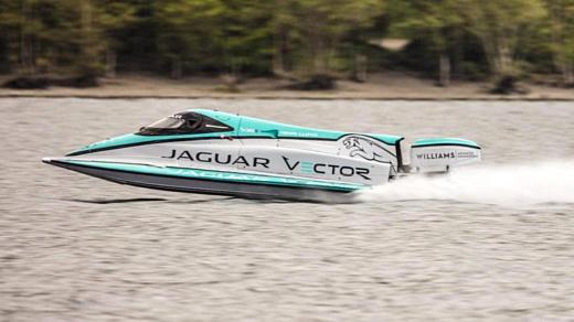 Лодка Jaguar и Vector установила новый рекорд скорости