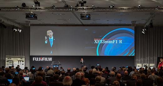 Fujifilm продемонстрировала первый в мире f/1 объектив для беззеркальных камер