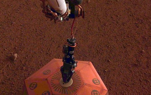 InSight успешно установил сейсмометр на поверхности Марса