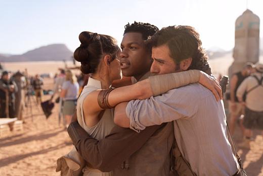 Джей Джей Абрамс рассказал о завершении съемок девятого эпизода «Звездных войн»
