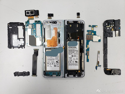 Фото: Энтузиасты разобрали Samsung Galaxy Fold