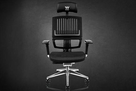 Thermaltake выпустила геймерское кресло для тех, кто ненавидит геймерские кресла