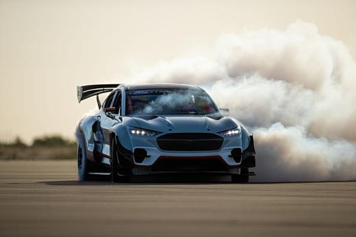 Ford продемонстрировала Mach-E Mustang мощностью в 1400 л.с.