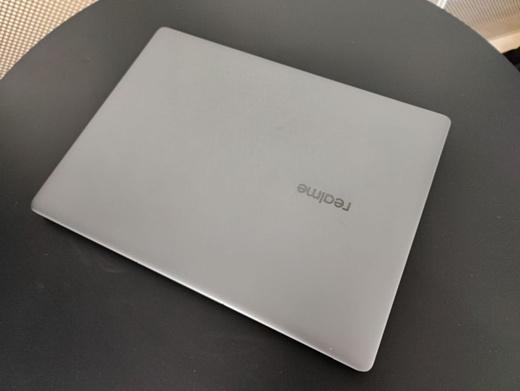 В сеть попали фото неанонсированного ноутбука Realme Book