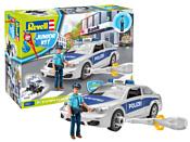 Revell 00820 Полицейская машина с фигуркой