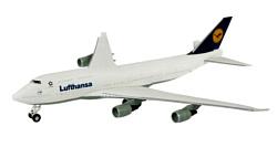 Revell 06641 Пассажирский самолет Boeing 747 Lufthansa