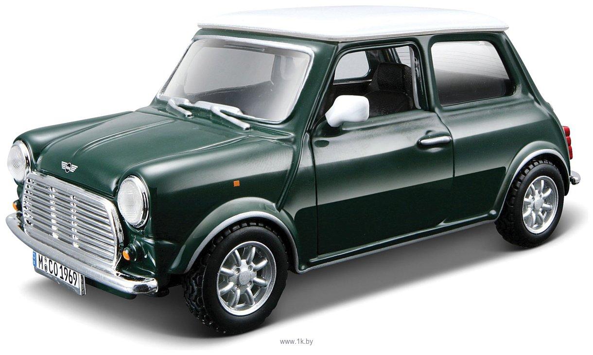 Фотографии Bburago Street Classics Mini Cooper 1:32 18-43206 (зеленый)