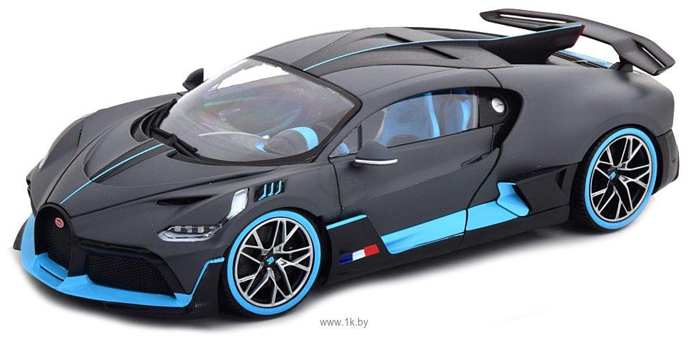 Фотографии Bburago Bugatti Divo 18-11045 (серый)