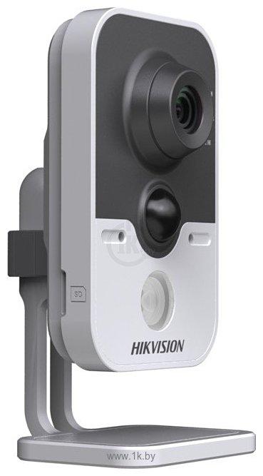 Фотографии Hikvision DS-2CD2432F-I(W)