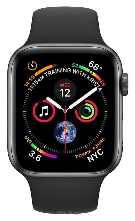Фотографии Apple Watch Series 4 GPS 40mm Aluminum Case with Sport Band