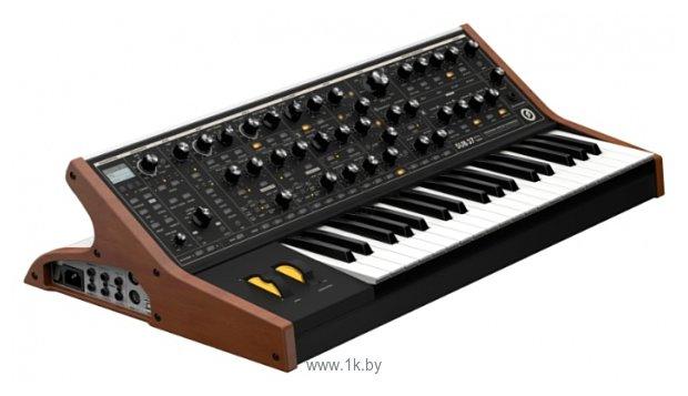Фотографии Moog SUB 37