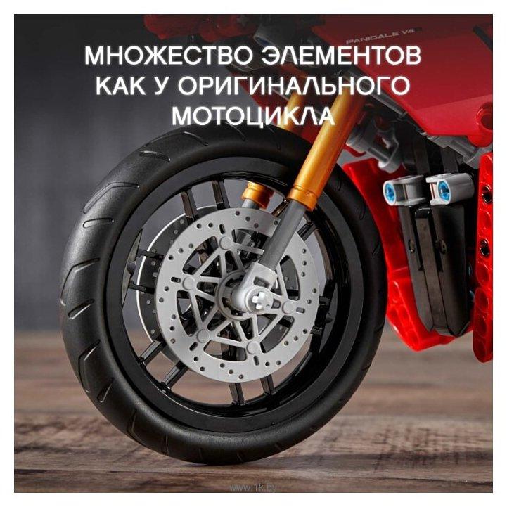 Фотографии LEGO Technic 42107 Ducati Panigale V4 R