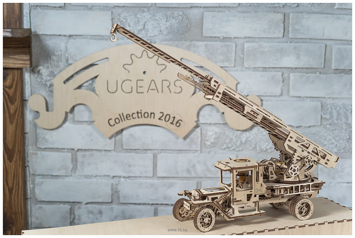 Фотографии Ugears Пожарная машина