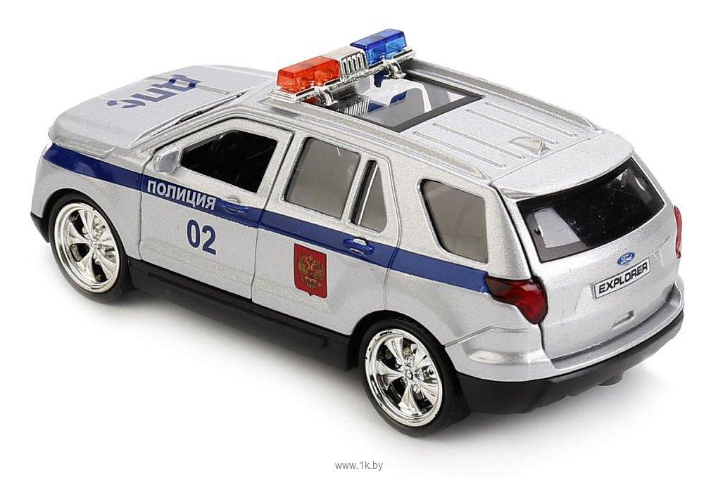 Фотографии Технопарк Ford Explorer Полиция