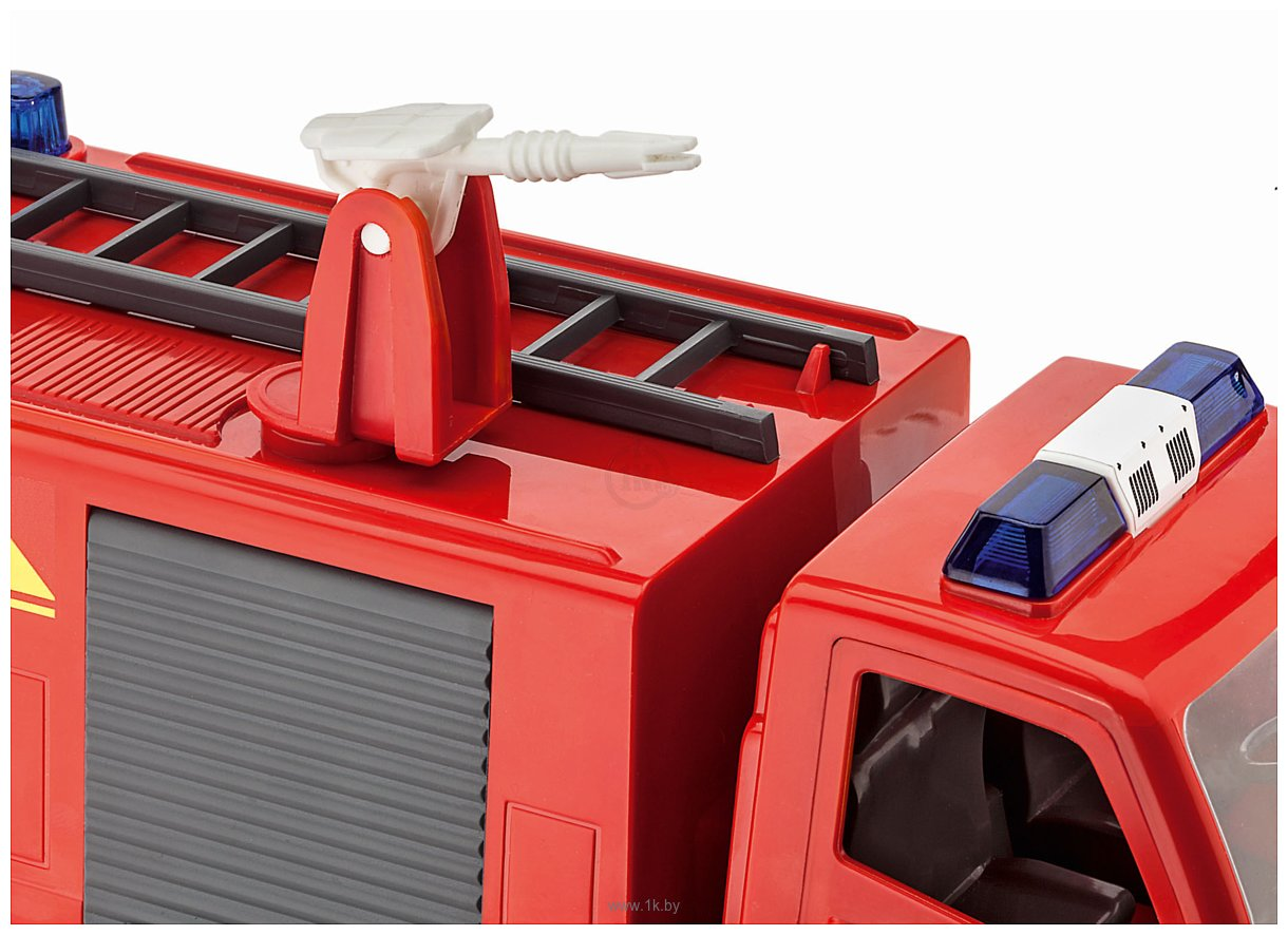 Фотографии Revell 00819 Пожарная машина с фигуркой