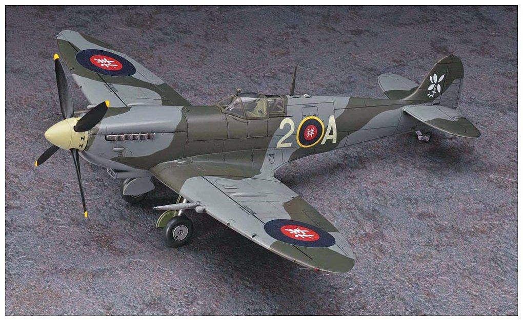 Фотографии Hasegawa Истребитель Shidenkai No Maki Spitfire Mk.IX