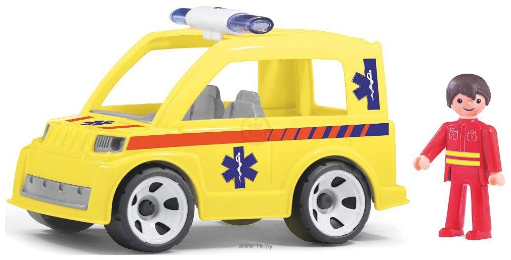 Фотографии Efko Машина скорой помощи с водителем 33219EF-CH