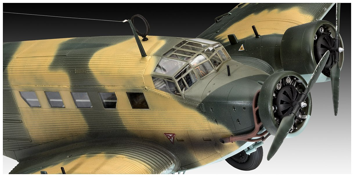 Фотографии Revell 03918 Немецкий самолет Junkers Ju52/3m Transport