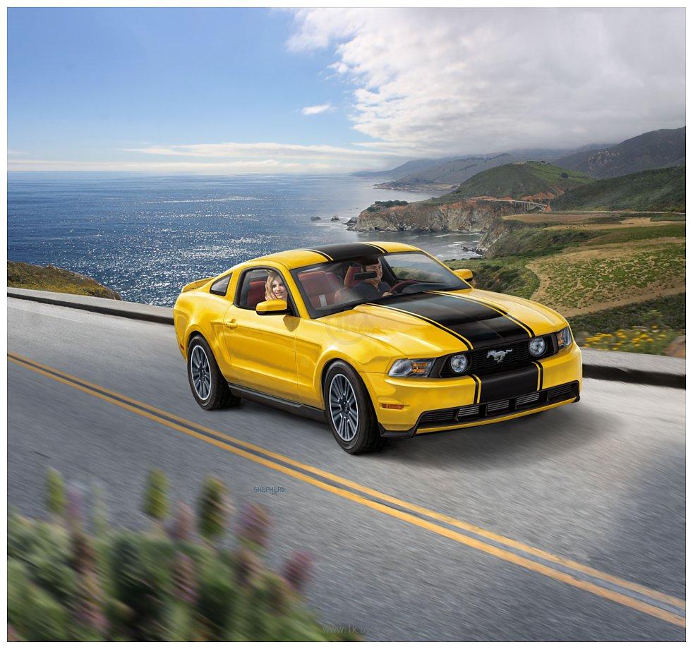 Фотографии Revell 07046 Автомобиль Ford Mustang GT