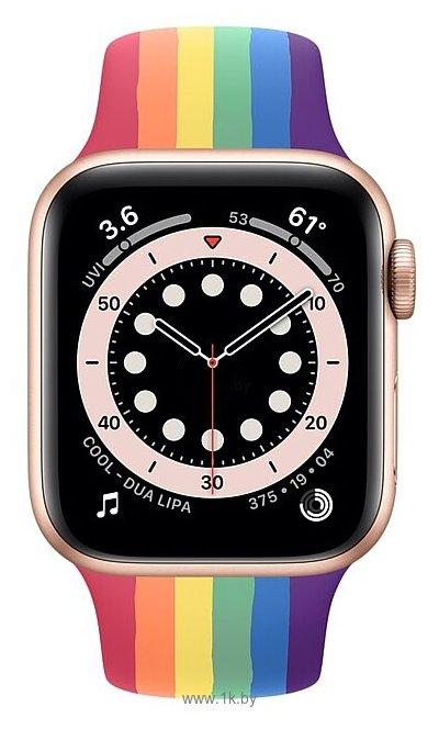 Фотографии Apple Watch Series 6 GPS 40mm Aluminum Case with Sport Band