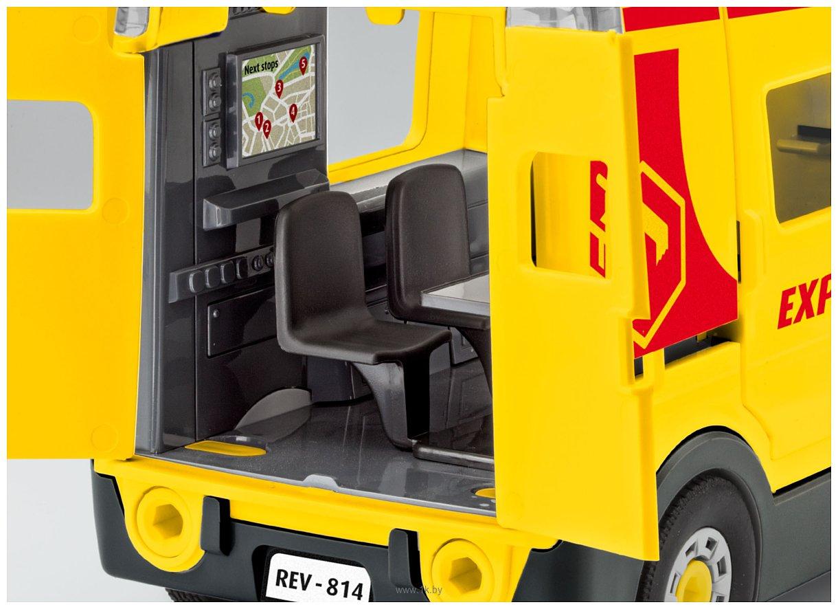 Фотографии Revell 00814 Фургон службы доставки с фигуркой