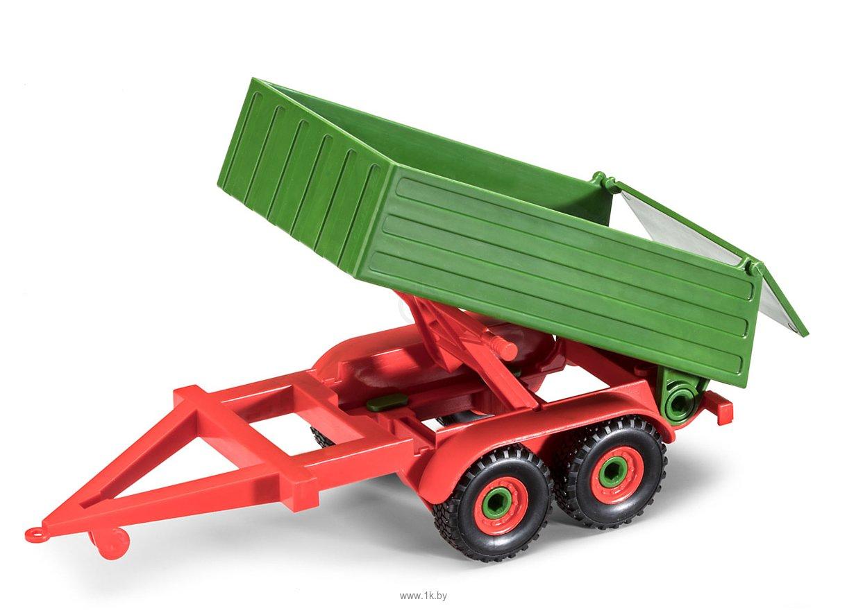 Фотографии Revell 00817 Трактор с прицепом и фигуркой