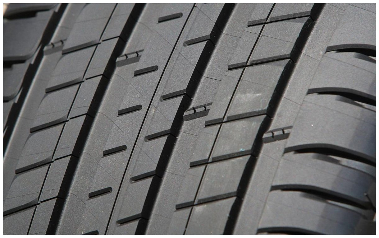 Фотографии Michelin Latitude Sport 3 235/60 R17 102V