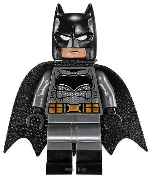 Фотографии LEGO DC Super Heroes 76045 Перехват криптонита