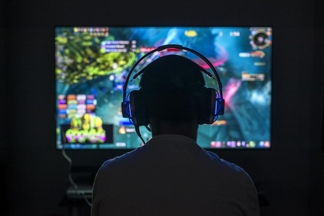 Как выбрать геймерский монитор? Подробное руководство